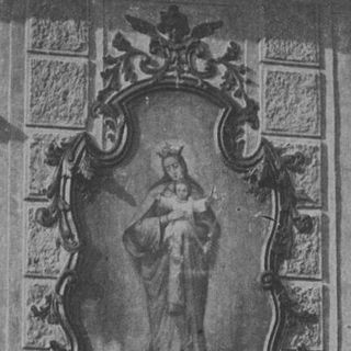 Painting in stucco frame on the facade of the house No.41, around 1890
