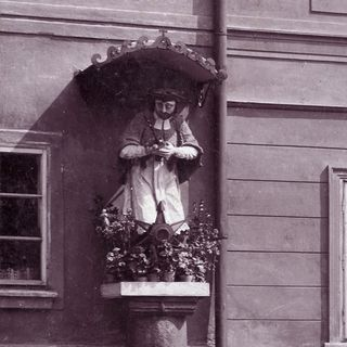 St. John of Nepomuk statue by the house No.71, around  1910